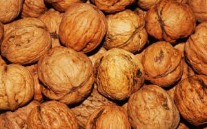 Nuts for fat loss. In moderation!